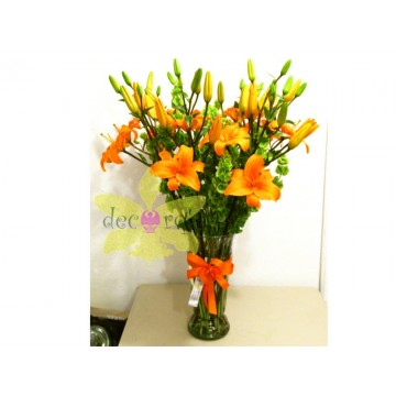 Florero con lilis